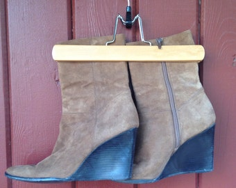 Vintage 1990s Brown Suede Enzo Angiolini Size 8 Brazil Wedge Boots
