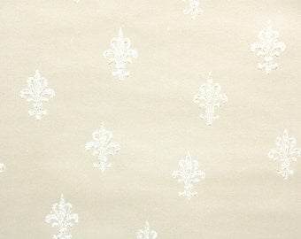 1950s Vintage Wallpaper by the Yard - White Fleur de Lis on Cream