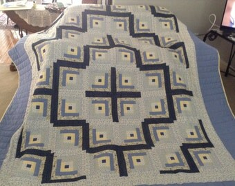 Amish Made, Queen Size, Log Cabin Quilt