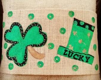 Lucky Saint Patricks Day Burlap Adjustable Pillow Wrap