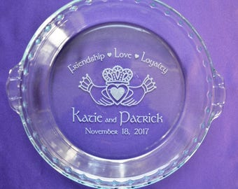 Personalized Engraved Claddagh Pie Plate, Custom Irish Wedding Gift, Gift for Newlyweds, Anniversary Dessert Dish, Casserole Baking Dish #10