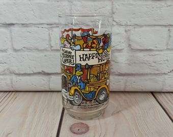 Vintage Muppets Collectible Glass The Great Muppet Caper Happiness Hotel 1981 McDonalds