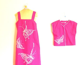 Boho vintage 70s , raspberry pink, cotton blend summer set: a dress with a cape and hand printed butterfy. Christina designs. Size M.