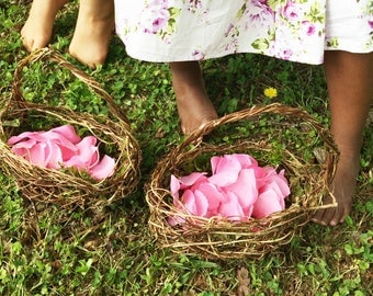 Set of 2 Barefoot Flower Girl Baskets, Wild Honeysuckle Twig Baskets, Moss Lined Baskets, Set 2CB
