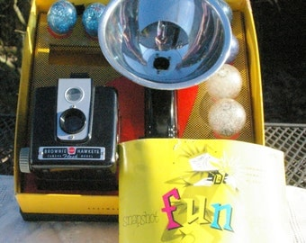Vintage Kodak Hawkeye Flash Outfit with Box, Flash Unit, Instruction booklet and Flash Bulbs