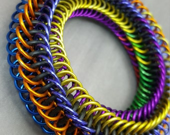 "Blackmaille Chainmaille Fidget Bracelet - Coiling Ombre ""Rainbow Confetti"""