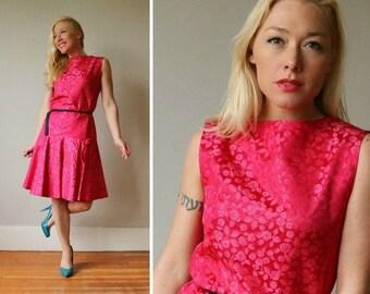 25% OFF SALE 1960s Fuschia Bow Dress~Size Small to Medium