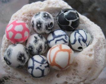 Sale black white pink animal print Floral Organic Polymer Clay Beads Round  beads 10mm-Fancy handmade Floral beads- white oink blue colors