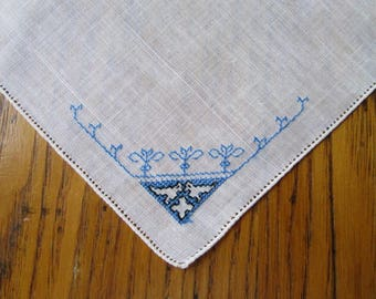 Vintage Handkerchief, Blue Embroidered Birds, Unused Vintage Hanky, Blue & White Hanky, Handkerchief,Embroidered Hanky, Blue Birds