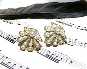 Pearl Shell Earrings Costume Jewelry Vintage Earrings Costume Earrings