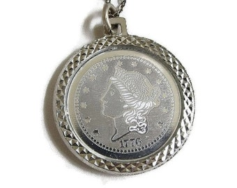 Bicentennial Coin Pendant Necklace in Heavy Silver Tone Plating Vintage