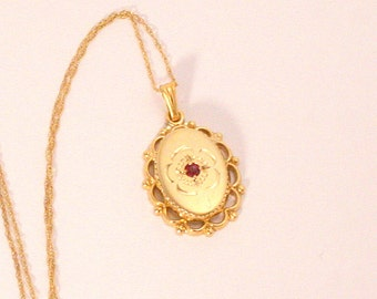 Vintage 14k Gold Garnet Pendant Necklace Art Deco Fine Filigree Delicate Chain