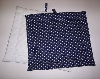 Set of 2 Potholders in a Navy and White Star fabric.