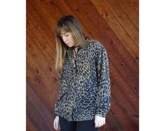 25% off Flash Sale . . . Leopard Print SILK l/s Button Blouse - Vintage 90s - M/L