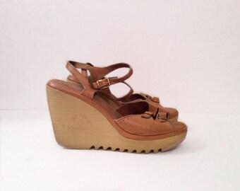 vintage Cherokee wedges // 1970's Leather shoes  // 70's  bohemian heels 8