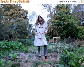 White Wool Toggle Coat Womens Preppy Winter Duffel Coat Minimal Vintage Hooded Coat Button Up Long Wool Coat Cream Womens Size 14 Large XL