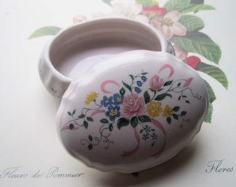 Vintage Music Box * Retro Ceramic Music Box * Hand Painted Wild Flowers * Powder Pink * Some Enchanted Evening * Music Key * Heritage House