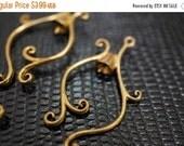 WINTER GEM SALE High Quality Solid Antique Brass Chandelier Earring Parts Charm Connectors - 2 pcs