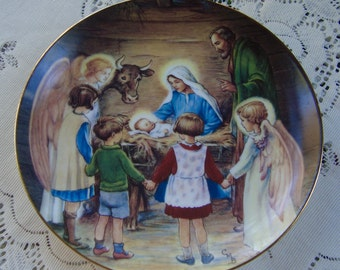 Collector Plate Away in a Manger Beloved Hymns of Childhood Signed ca.1988