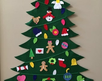 Felt christmas tree with 20 different ornaments and presents !