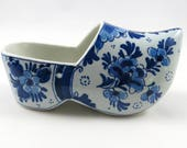 Delft Shoe, Vintage Blue and White Flower Design, Holland Travel Souvenir, Shelf Ornament