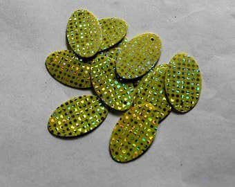 50 pcs  Oval shape sequins /Lime green color /Silver dotted texture/KBOS734