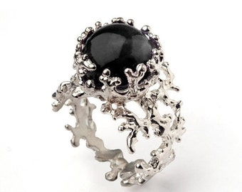 HOLIDAYS SALE - CORAL 14k White Gold Onyx Ring, Black Onyx Engagement Ring, Unique Gold Ring, White Gold Gemstone Ring