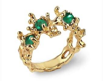 BETWEEN THE SEAWEEDS 14k Gold Emerald Ring, Natural Emerald Ring, Unique Gold Ring, Green Emerald Ring