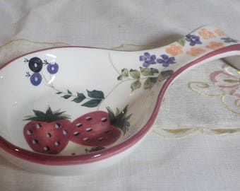Strawberry Spoon Rest - Spoon Rest - Ceramic - Strawberries - Country Kitchen