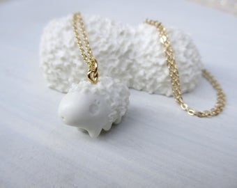 Petit Waterbear Pendant-white