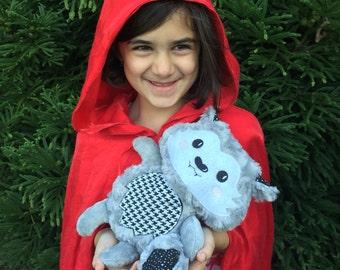 Personalized Wolf  / Wolf Softie / Wolf Stuffed Animal / Soft Toy / Toys for Kids / Stuffed Wolf / Werewolf