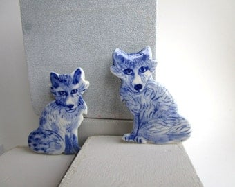 Fox - Blue and white porcelain Brooch - Hand made and hand painted Dutch Delftware