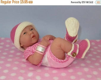50% OFF SALE madmonkeyknits - Just for Preemies Premature Baby 4 Ply Bumper Booties & Beanie Set - Instant Digital File pdf download knittin