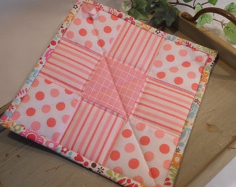 Quilted Pot Holder, Hot Pad, Table Topper or Mug Rug