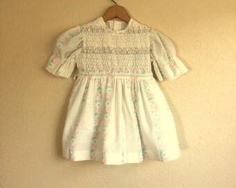 Vintage Little Girls White FLORAL Dress / Toddler Size 3 - 4
