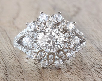 Round Cut Floral White Gold Diamond Ring