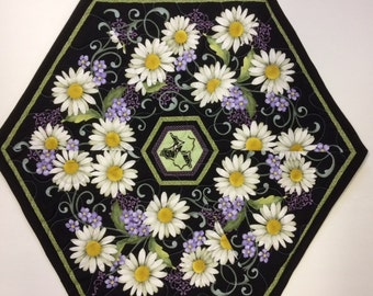 Daisy Octagon Table Topper