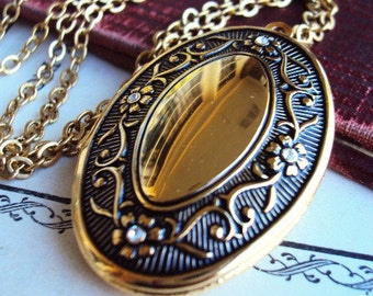Vintage Locket Necklace Gold Plate Crystal Rhinestones Repousse Raised Antique Design Photo Locket Antique Gold Long Chain Victorian STyle