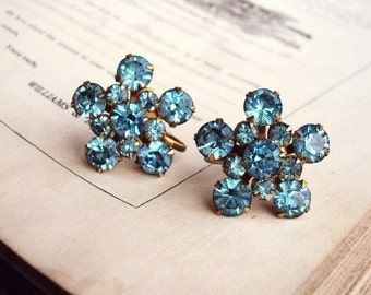 Vintage Rhinestone Earrings Baby Blue Brilliance Stone Pronged Settings Mid Century Screw Back Earrings Glass Crystal Stones Antique gold