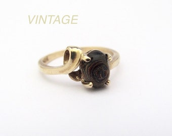 Vintage Ring, Brown Coral Ring, 10K Yellow Gold Ring, Town and Country Jewelry, TCJI 10K Ring, Gift for Her, Vintage Jewelry, Gift under 150
