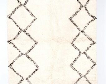 Double Diamonds - Classic deep pile Beni Ourain Berber rug