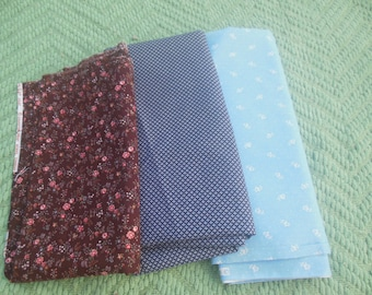 fabric remnant lot / sewing notions / calico  / craft materials quilt / savannahwillow