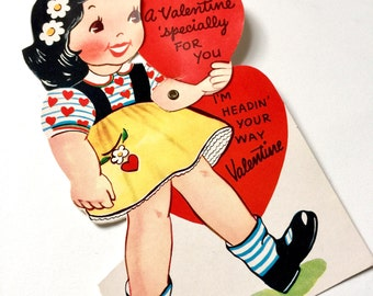 """Vintage 1950s Valentines Card / UNUSED 7"""" Articulated Girl Holding Heart """"I'm Headin Your Way Valentine"""" / Collectible Ephemera"""