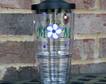 Mom 24 oz acrylic Insulated cup and straw with Mom and flower them heart personalized with children names on the back