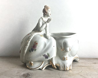 Porcelain Planter Victorian Edwardian Colonial Lady Boudoir Container Powder Box Makeup Brushes jewelry Dish Japan