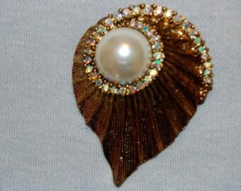 Vintage / Brooch / Aurora Borealis / Rhinestone / Pearl / Large / old / jewelry / jewellery