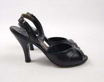 size 7 1950s Navy Blue Sling Back Heels - Leather open Toed Heels - Herbert Levine