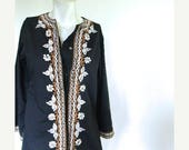 25% OFF SALE vintage.  Black Embroidered Tunic Blouse / Jacket  // S to M