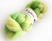 Hand Dyed Whitefaced Woodland Spinning Fibre - Wool Tops - Wool Roving - Citrus - 100g