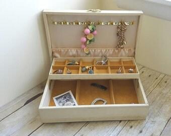 Large Cream Jewelry Box Shabby Chic Pretty Storage Mele Jewelry Organization Under 50 & Mele jewelry box | Etsy Aboutintivar.Com